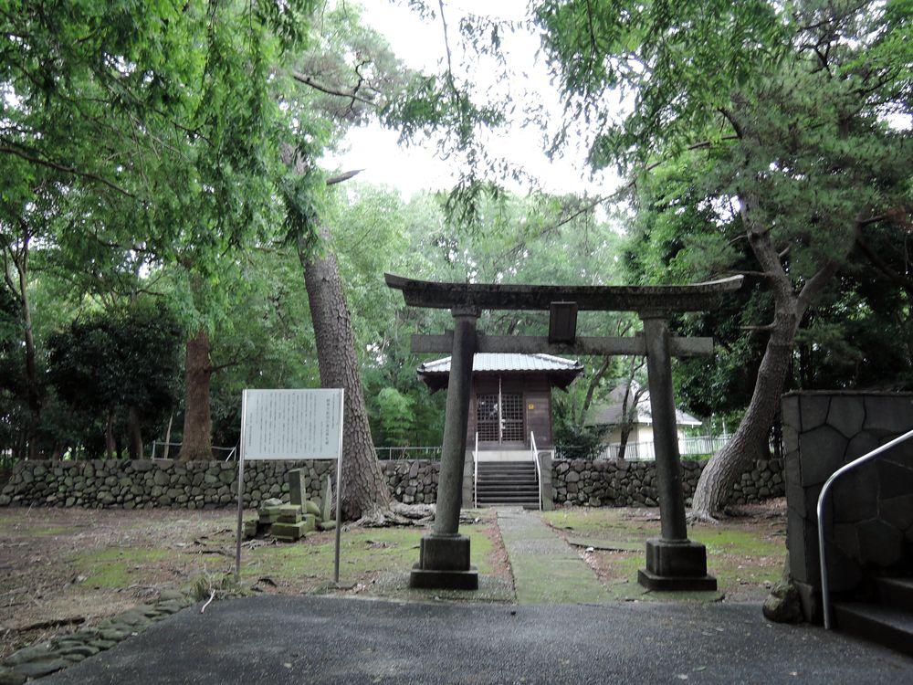 中新田稲荷神社(越巻稲荷神社)