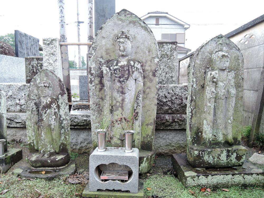 地蔵菩薩像と阿弥陀如来像