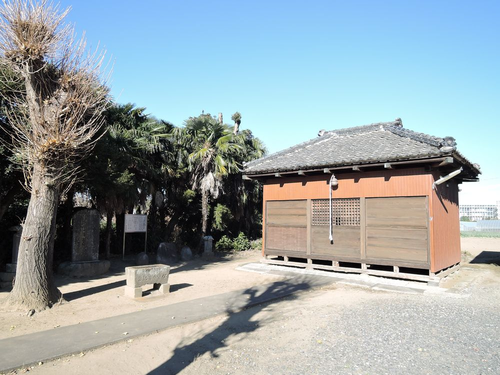 三野宮香取神社の境内