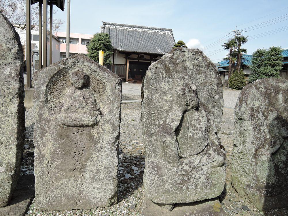 越谷市に現存する月待塔<十九夜塔と二十三夜塔>を調査した。