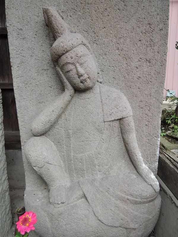 如意輪観音像付き念仏塔
