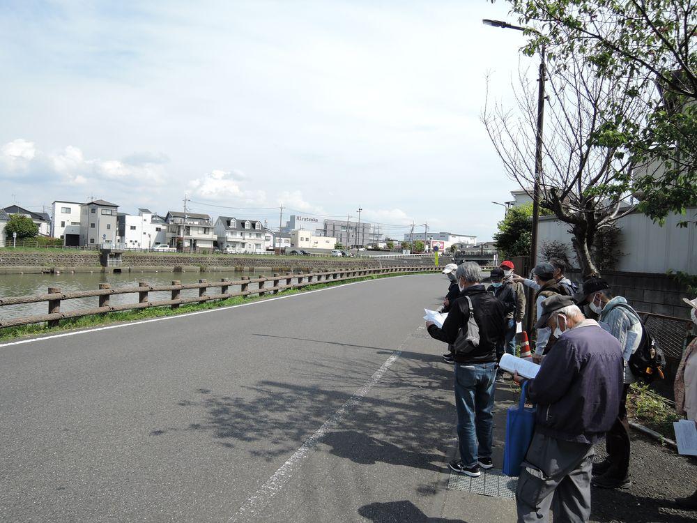 綾瀬川右岸沿いの旧日光街道