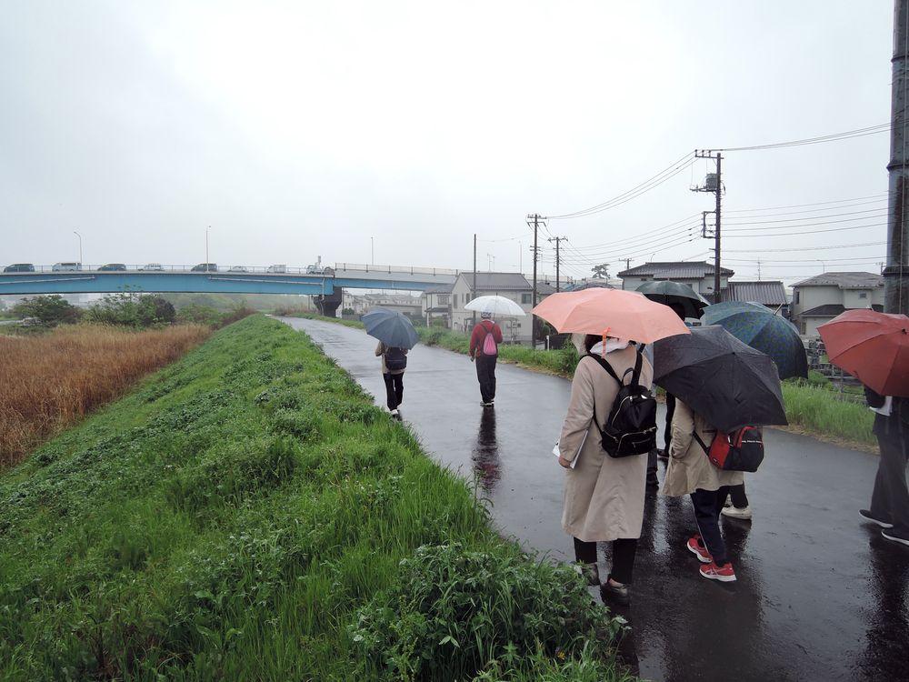 中川右岸土手道