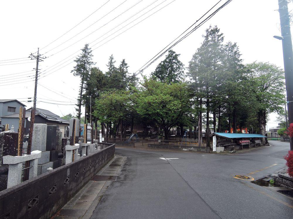 千疋伊南理神社へ向かう