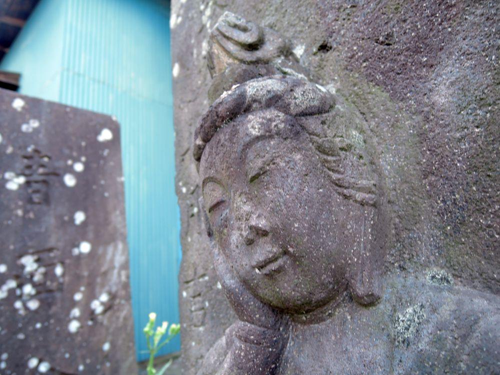 如意輪観音|越谷市小曽川・慈眼寺跡の共同墓地路傍