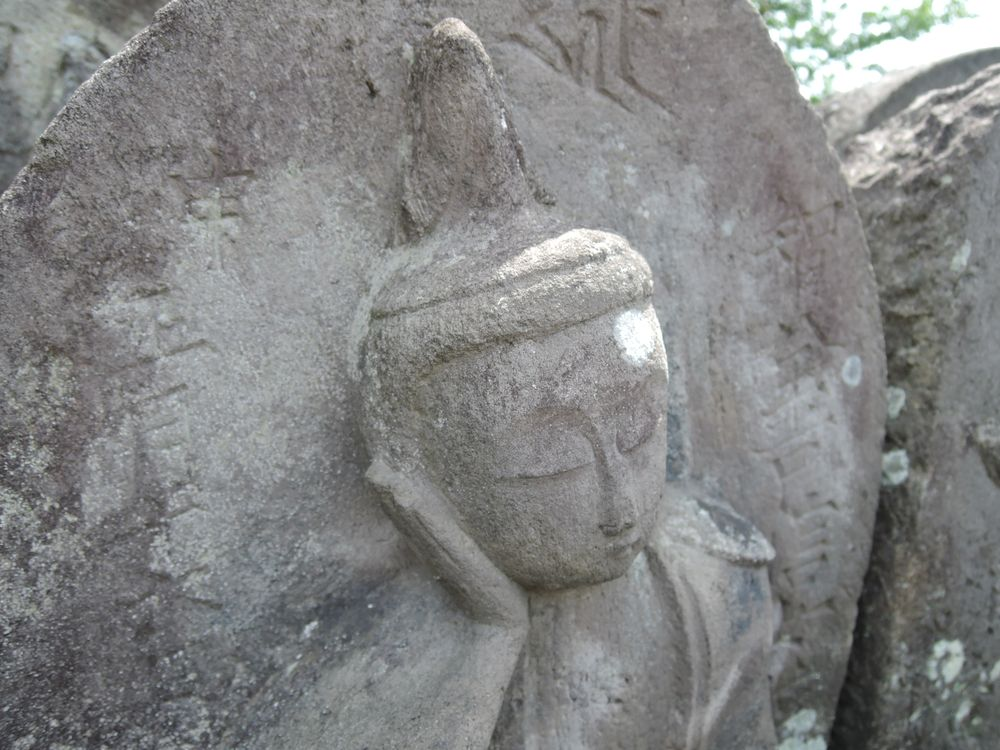 如意輪観音墓石|年代不詳