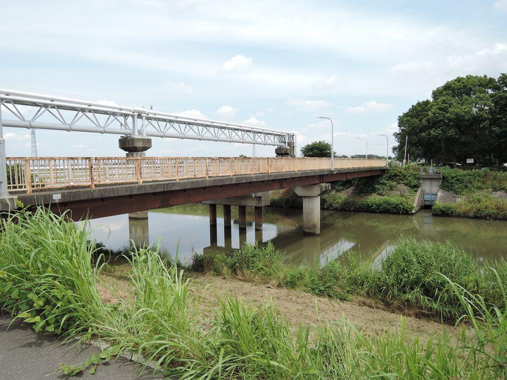 下千間堀に架かる橋|東橋